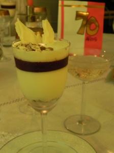 Mousse de Champagne rosado y coulis de frambuesa