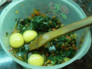 Sumale los huevos
